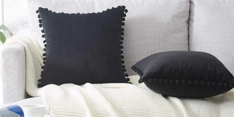 Cojines color negro para sofás